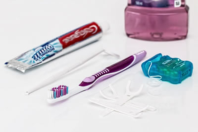 kit de limpieza bucal para encias sanas